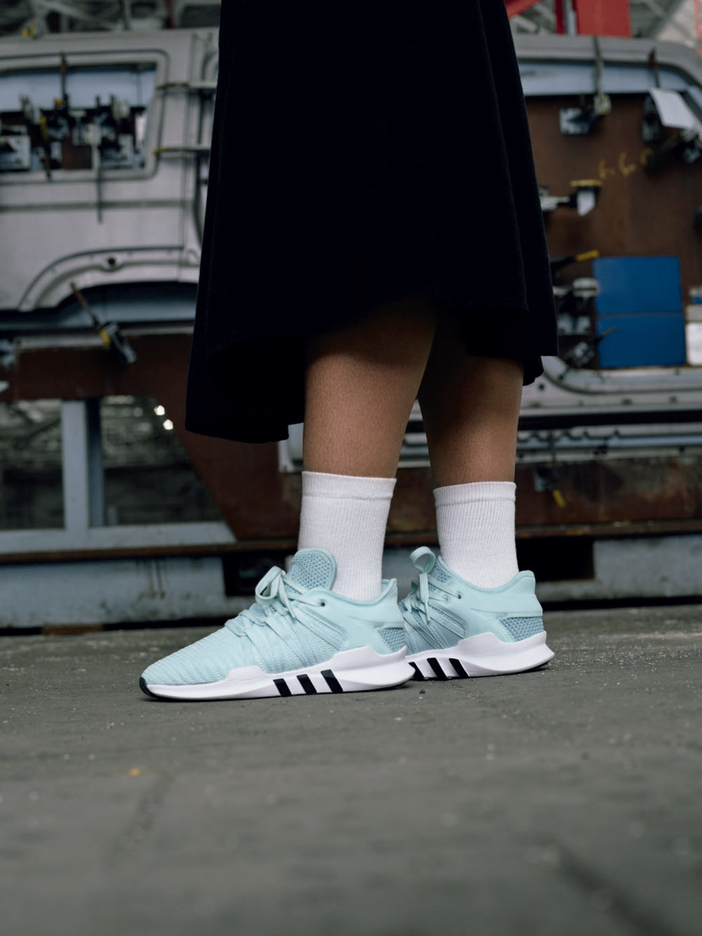 H20841_OR_Originals_EQT_FW17_Imagery_Social_Assets_August-Fashion_Specialist_Female_04_low.jpg