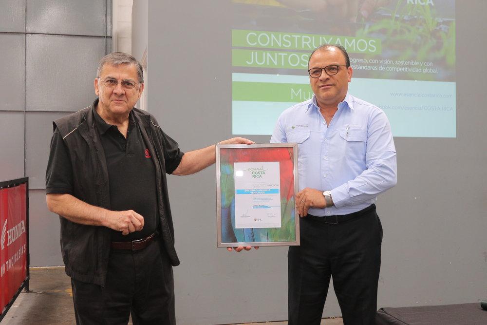 Demetrio Pérez y Gilberth Porras.JPG