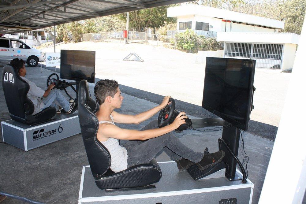 foto simulador carro.jpg