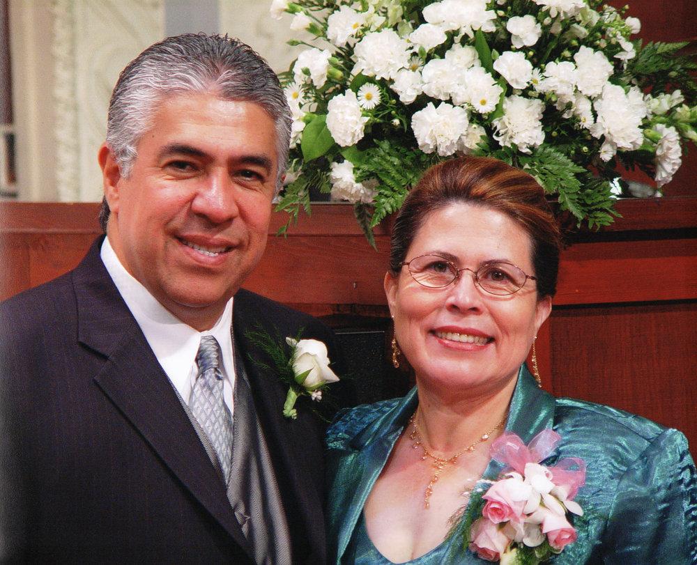 Pastor Manolo y Lily Urrutia