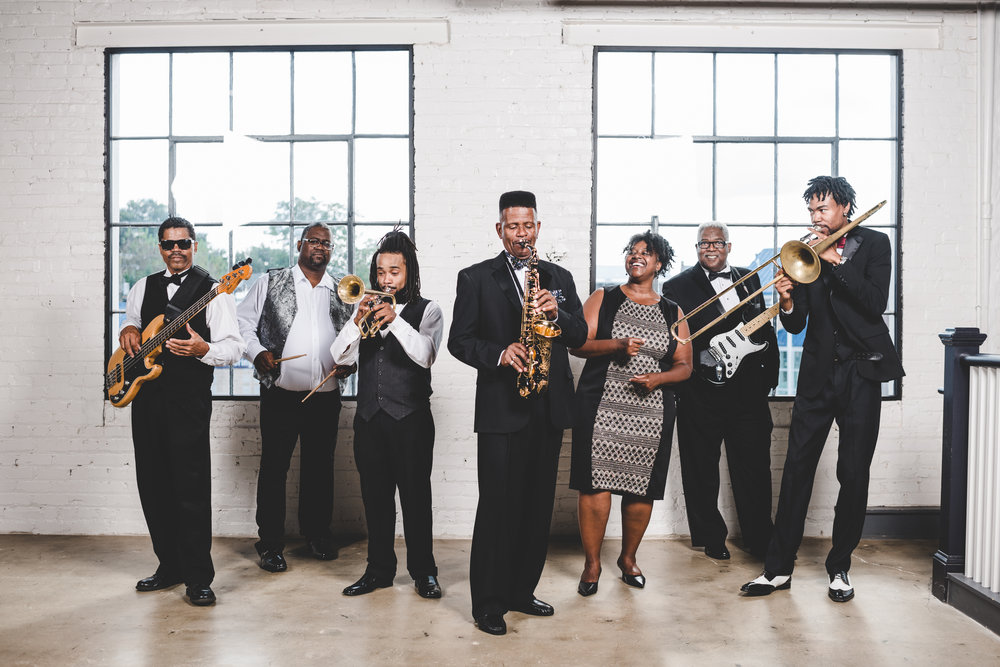 Klaxton Brown Who says a jazz band can't party? Klaxton Brown is the ultimate party band. They can handle every genre of music including jazz, R&B, funk, gospel, pop, country and big band. Proudly represented by ECE