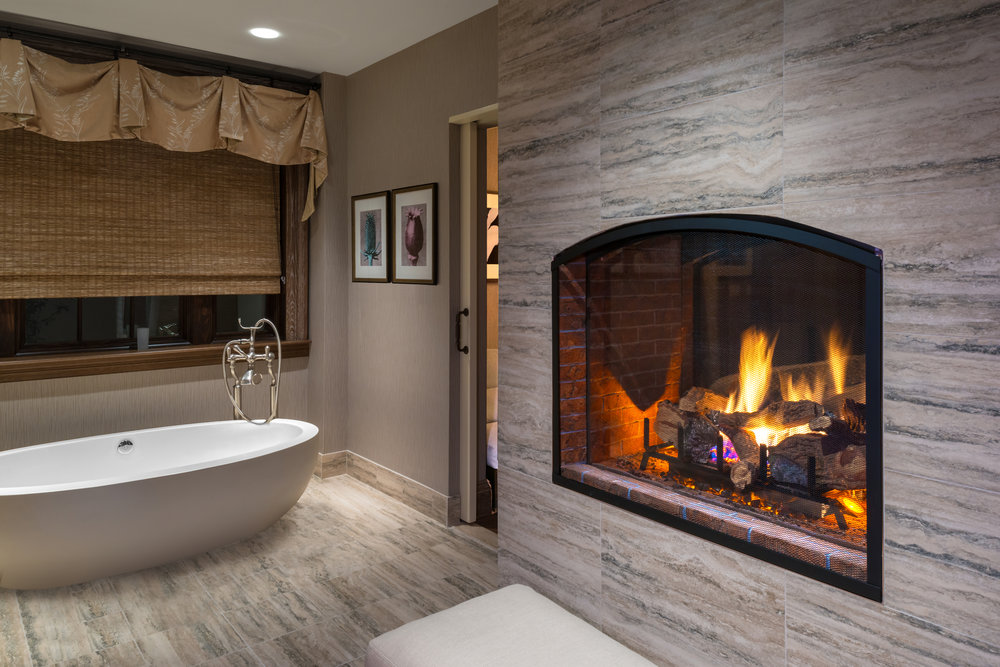 Couples Suite Fireplace-Tub.jpg