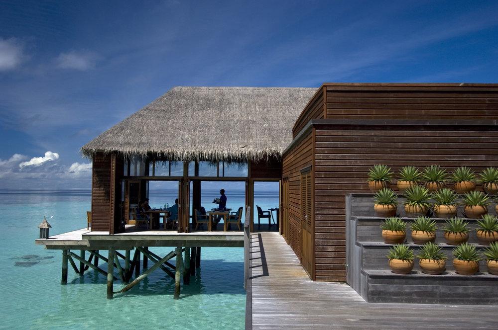 Conrad Maldives_Mandhoo Restaurant (4).jpg