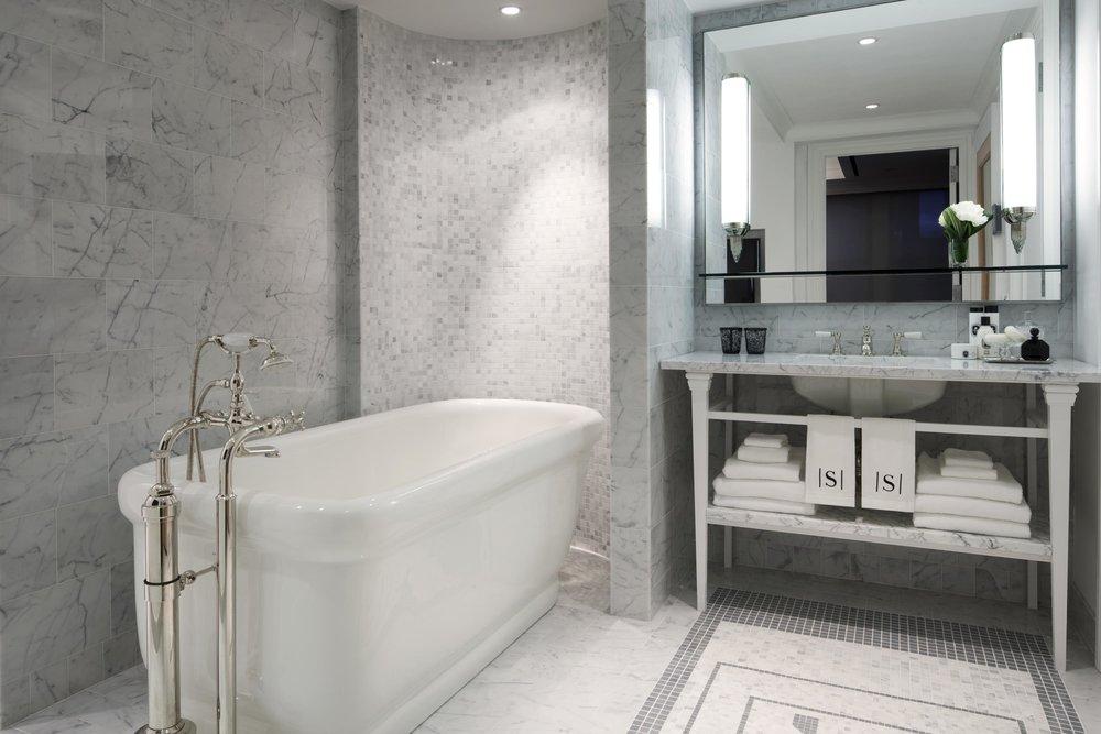 2b_The_Surrey_Presidential_Suite_Bathroom_38609_high.jpeg