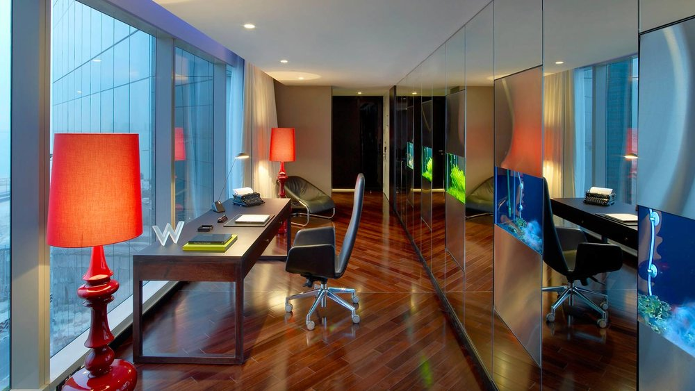 Extreme Wow Suite Desk.jpg