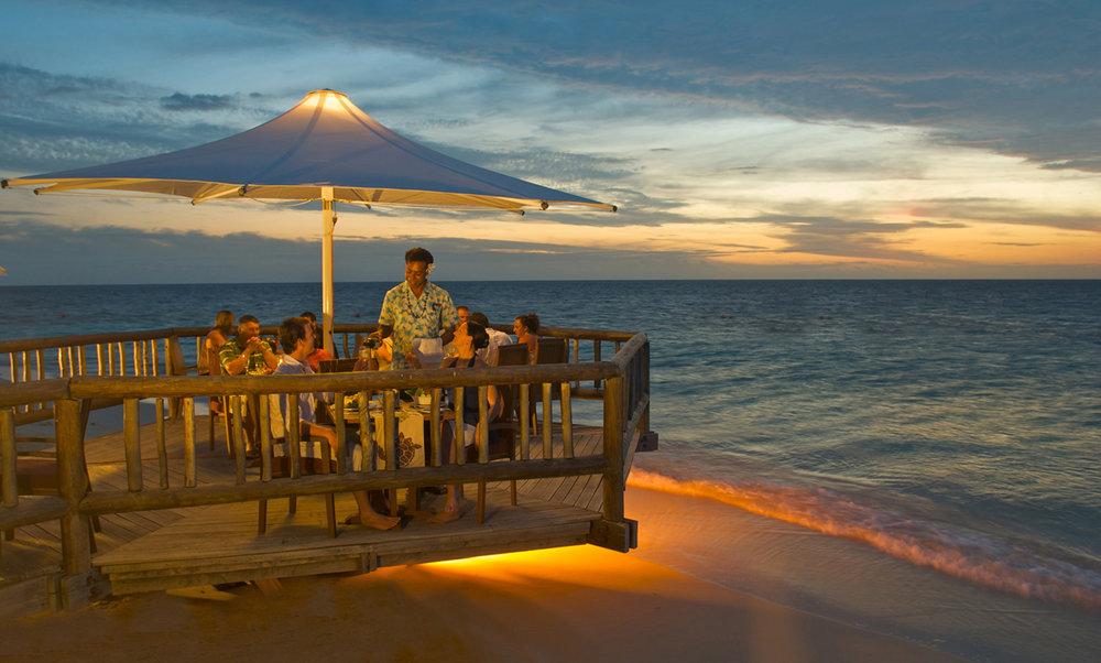 Hi_FCI_65608814_castaway-island-fiji-dining2.jpg