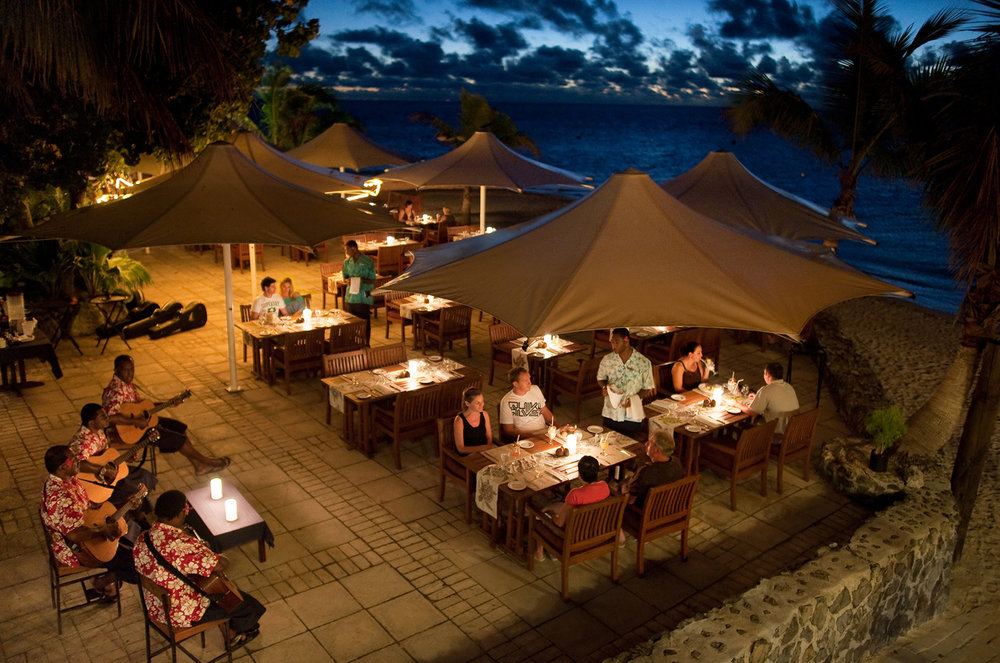 Hi_FCI_65608818_castaway-island-fiji-dining3.jpg