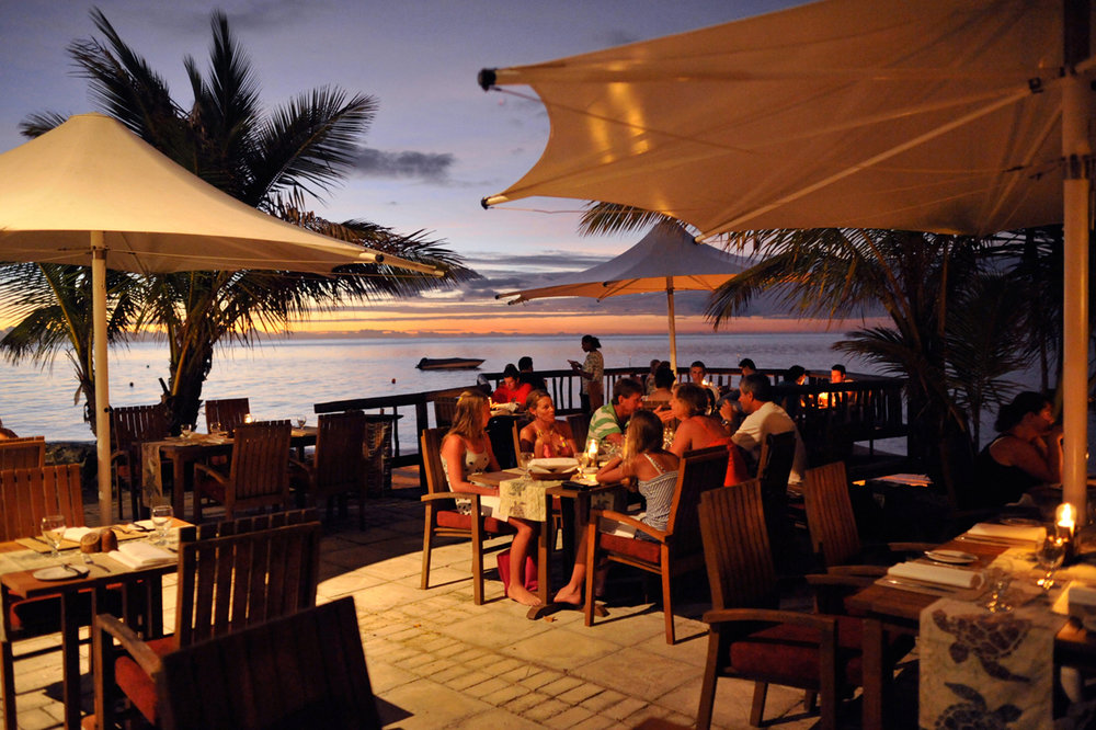Hi_FCI_65608822_castaway-island-fiji-dining4.jpg