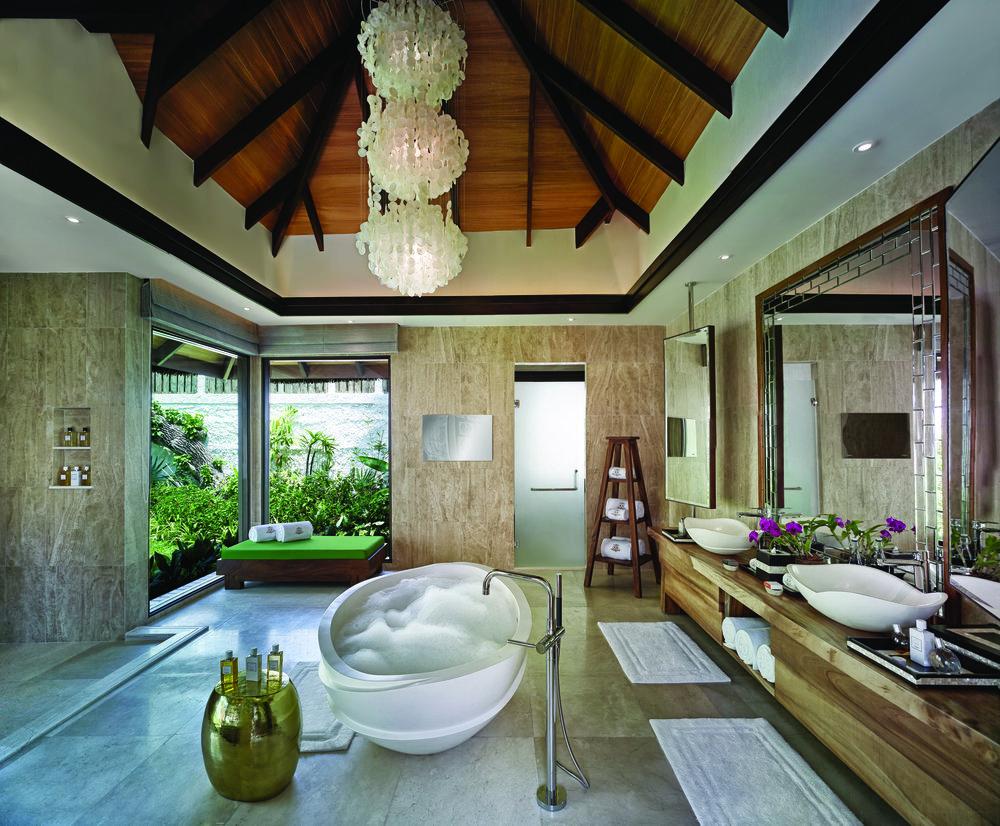Jumeirah Vittaveli - Royal Residence - Sanctuary Bathroom1.jpg