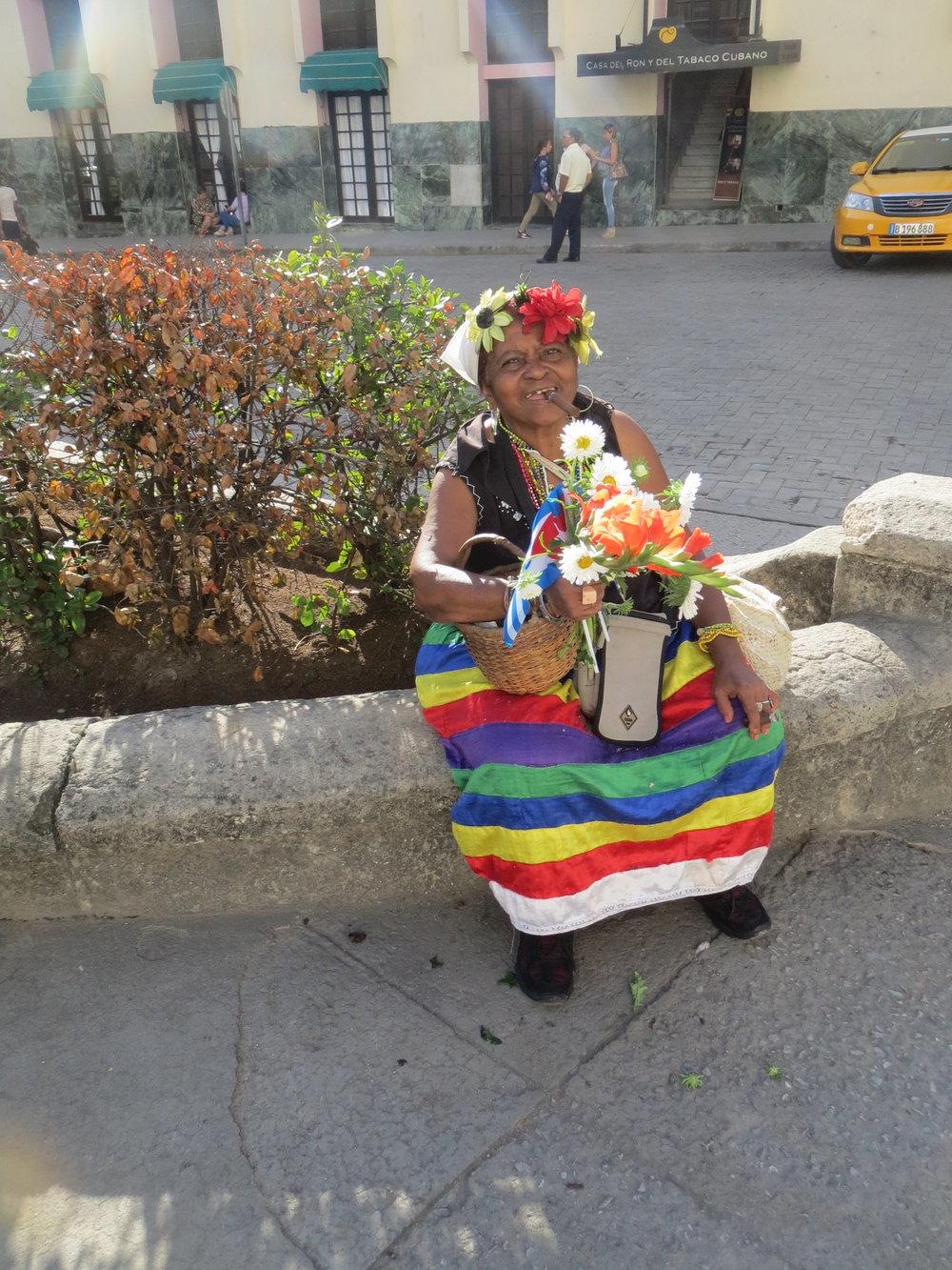 CubaCigarWoman