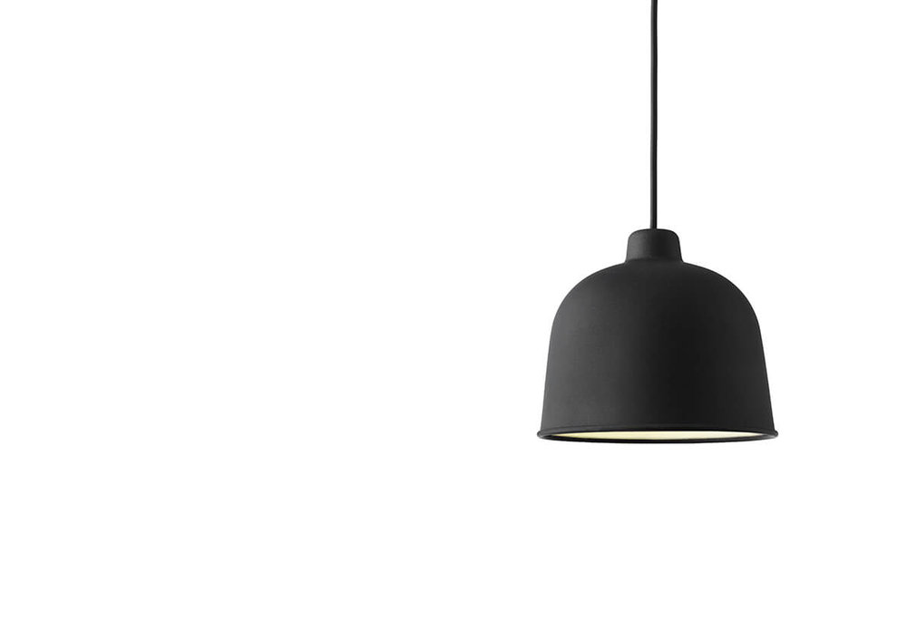 Grain_pendel_lamp_black_WB_low.jpg