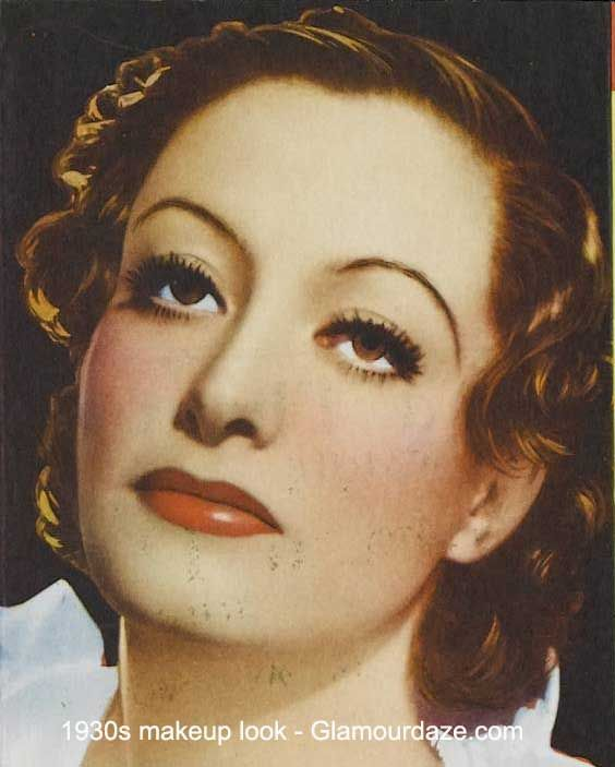 1930s makeup: mascara, red lip