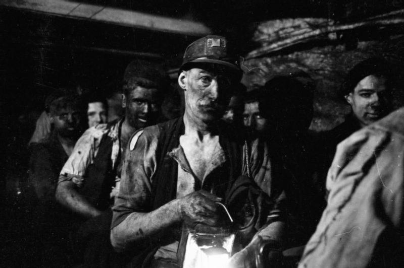 1940s coal miners. Source: Imperial War Museum.
