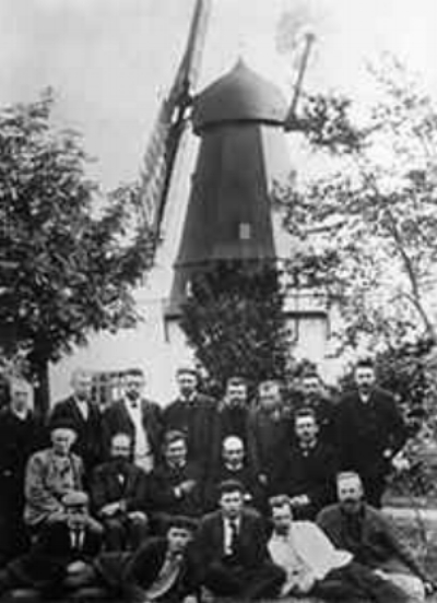Wind electricity course with Paul la Cour, 1904.