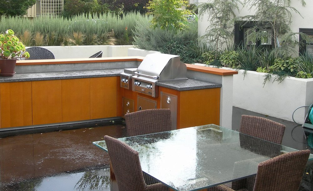 OUTDOOR KITCHEN WITH CONCRETE COUNTERTOP