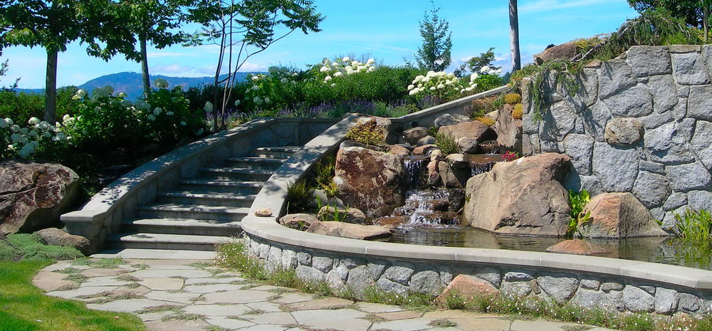 GREAT WATERFEATUREAND STAIRCASE  DESIGN