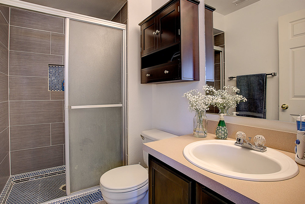 4670 White Rock Circle Unit 7_MasterBathroom.JPG