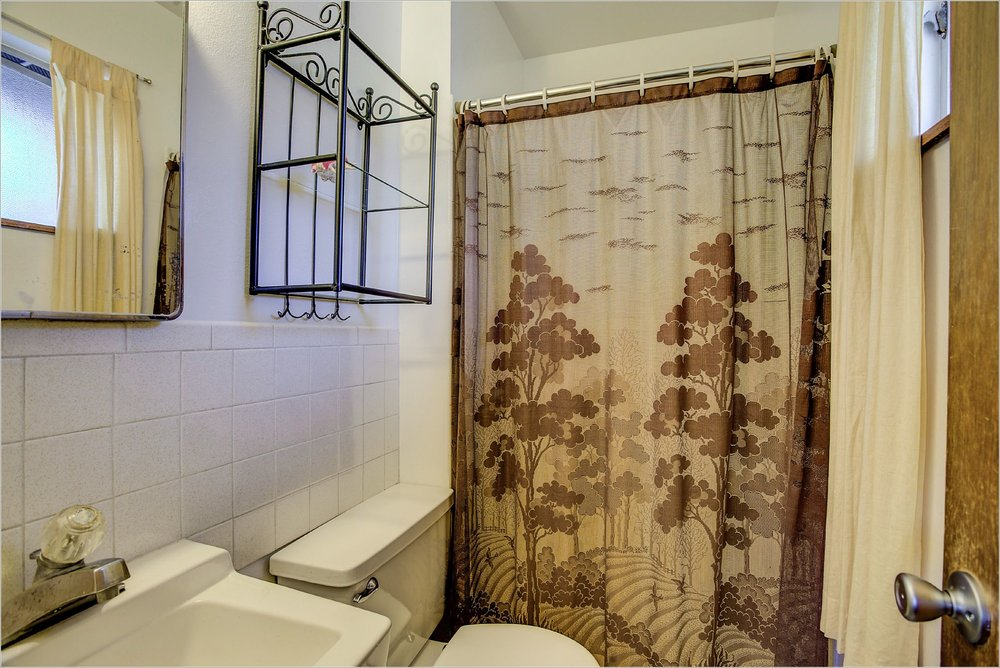30 35th Street_MasterBathroom.jpg