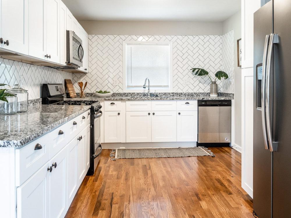kitchenfullview.jpg