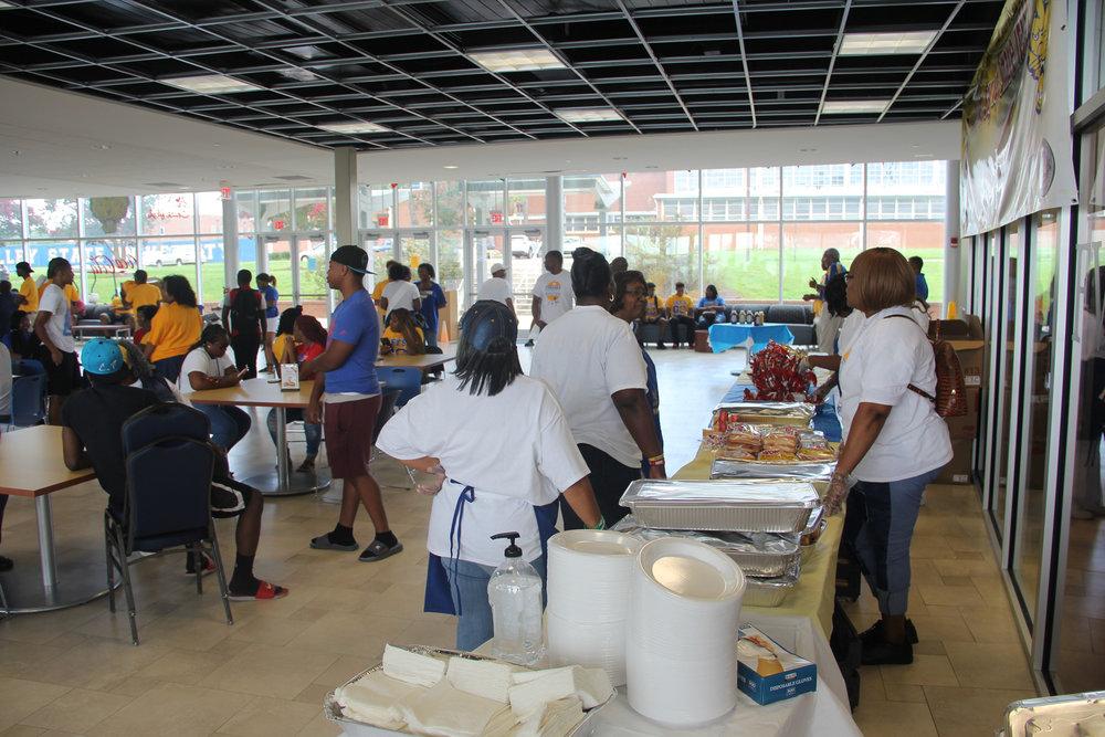 fvsunaa_warner_robins_new_student_cookout_42.jpg