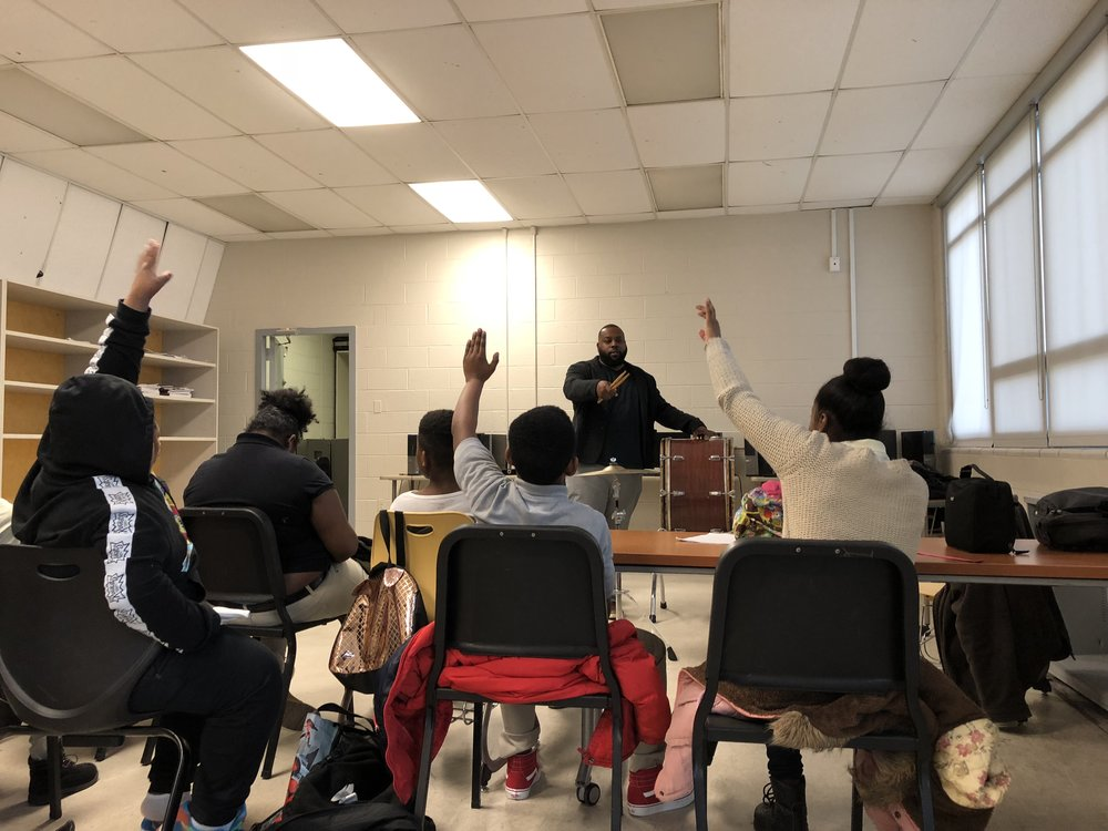 DC STRINGS PARTNER DMV PERCUSSION ACADEMY LEADS A PERCUSSION EXPLORATION CLASS