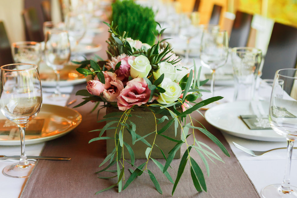 Served wedding table with flowers_846672008.jpg