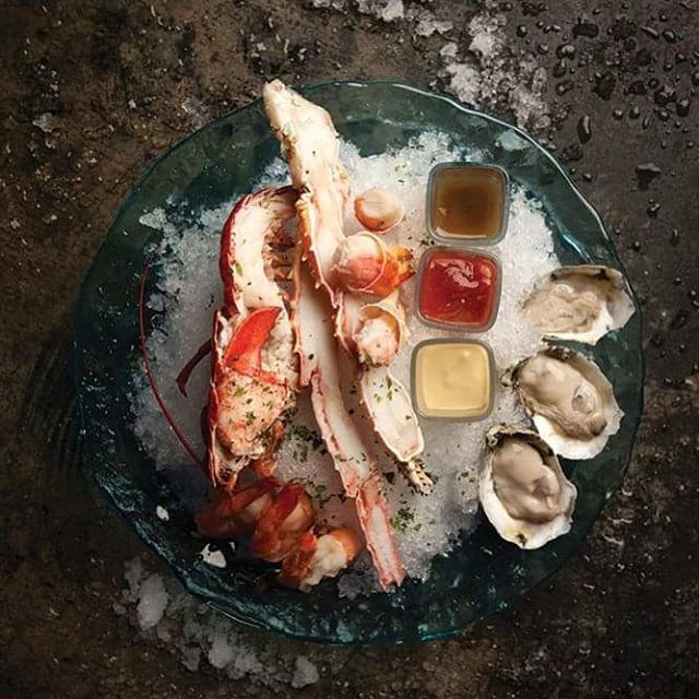 Maine lobster, Alaskan king crab, shrimp, oysters, and accompaniments. Best way to finish Thursday night!  #vegaslocal #vegasdining #andresbistrobar #happyhour #food #vegaseats #yummy #vegas #vegaslife #lobster