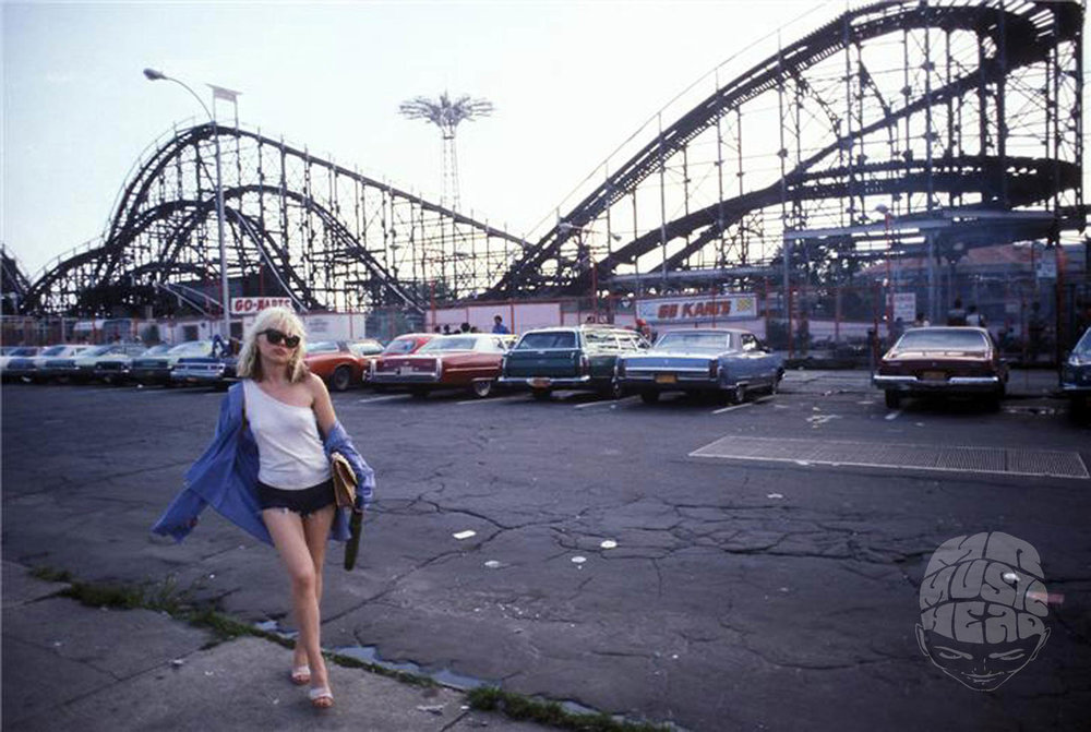 bob gruen_Blondie_Coney Island.jpg