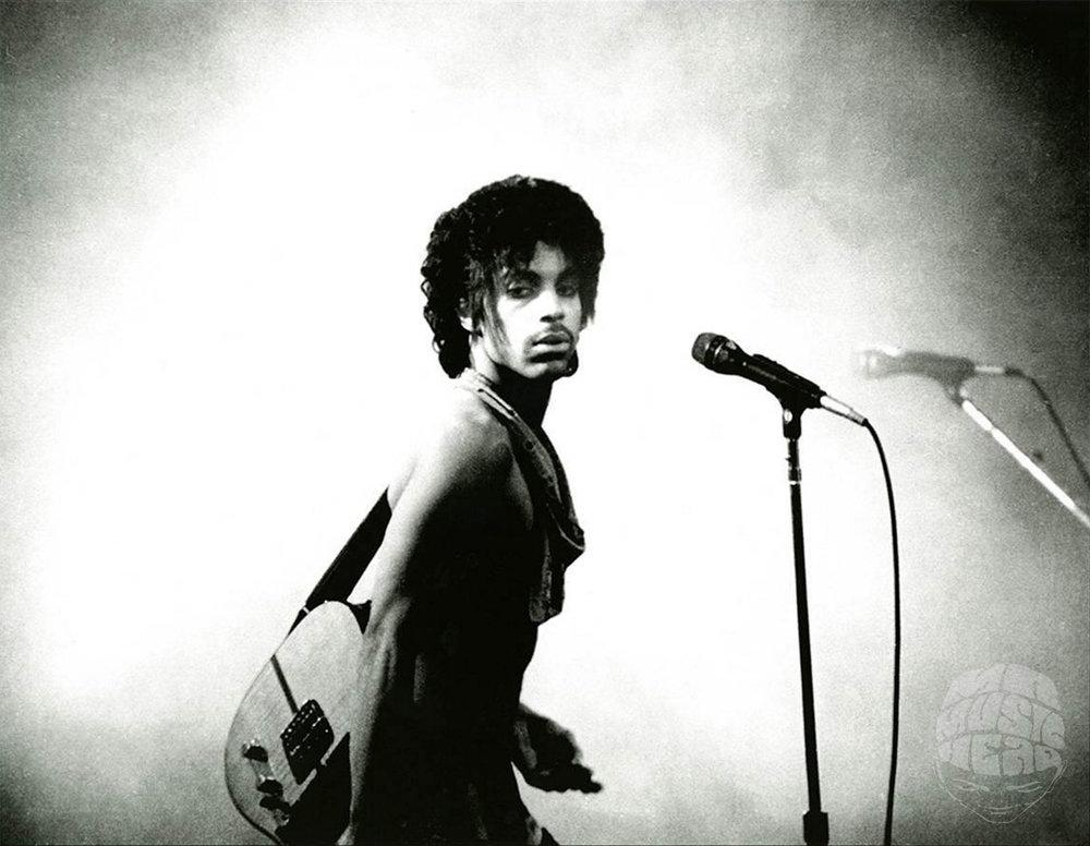 leni sinclair_prince live 2.jpg