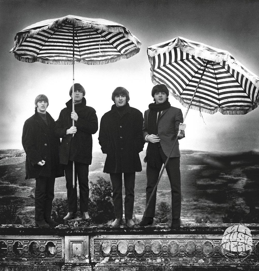 robert whitaker_the beatles_umbrella.jpg