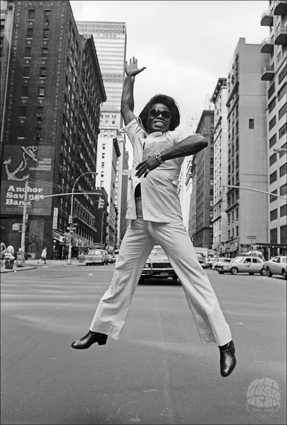 allan tannenbaum_James Brown_Broadway_Jump_1979_ASBU.jpg