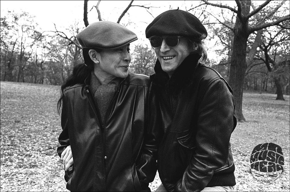 allan tannenbaum_John Lennon Yoko Ono_Central Park_Big Grin.jpg