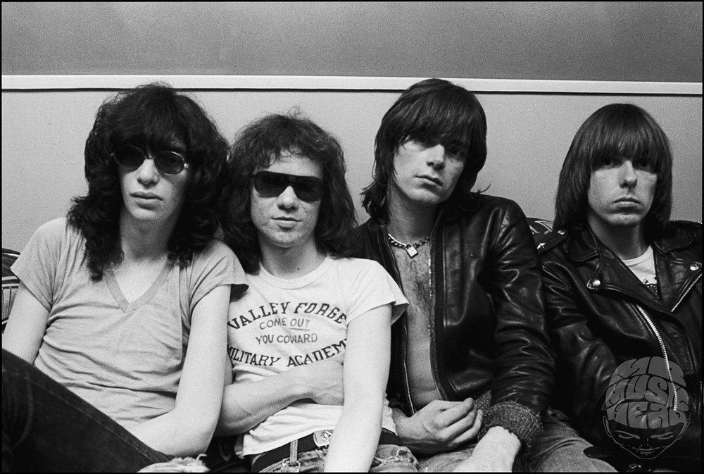 allan tannenbaum_Ramones Backstage.jpg