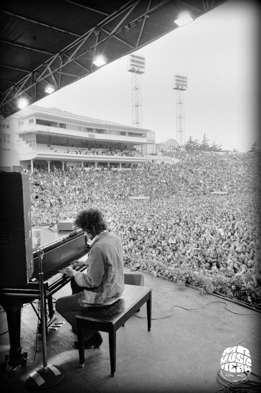 peter simon_bob dylan piano.jpg