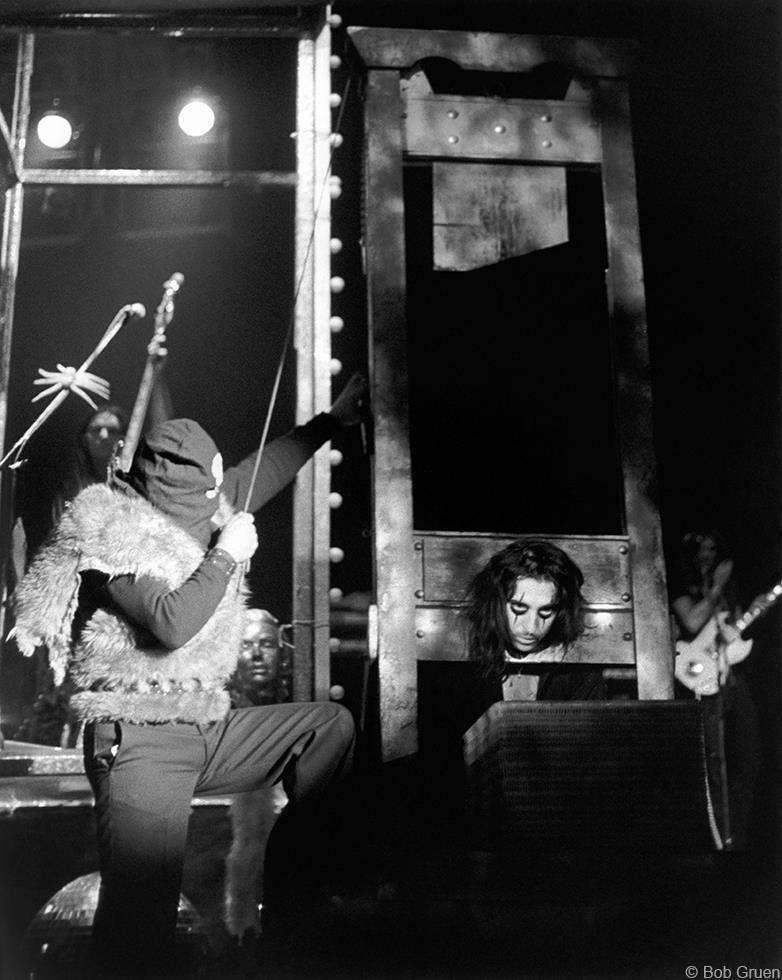 Resultado de imagen de alice cooper guillotine