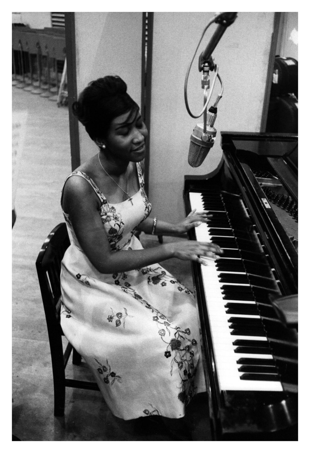 aretha-franklin-take-a-look-image-by-don-hunstein1200a.jpg