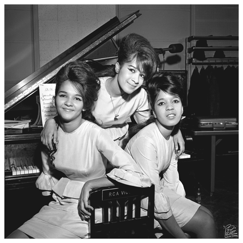 Ronettes 08  -RCA Victor session-   2-6-1962   .jpg