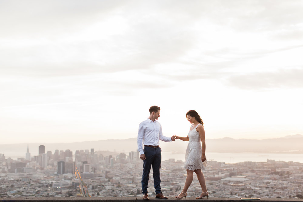 <h3>San Francisco</h3>Twin Peaks and Sutro Baths Dawn Engagement