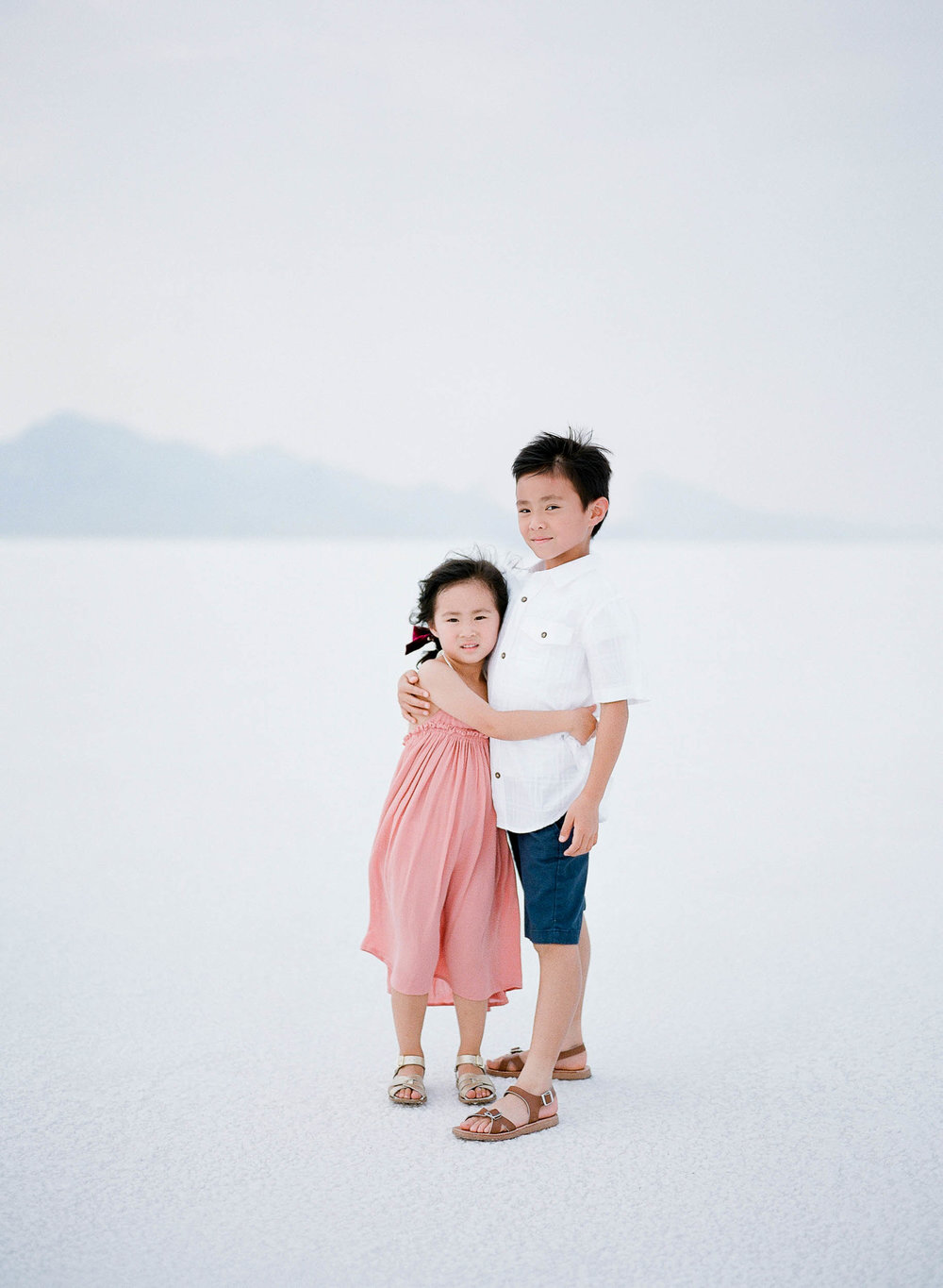 070918_Sandy A La Mode_Family_Utah Salt Flats_Buena Lane Photography_F400_58.jpg
