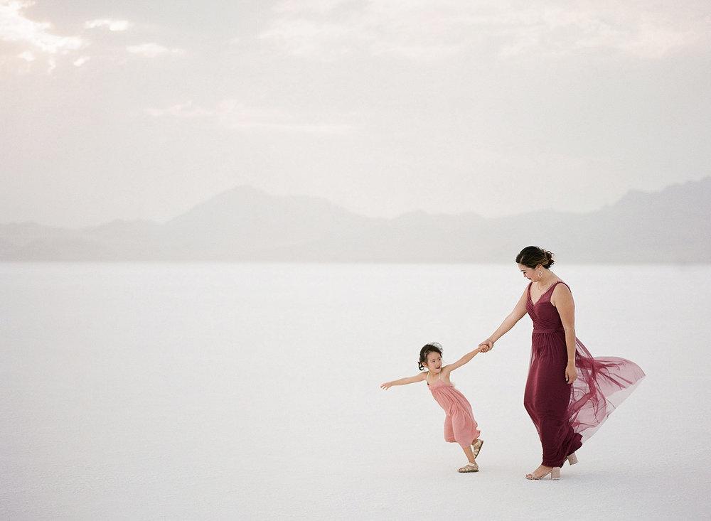 <h3>Utah Salt Flats</h3>Family Session