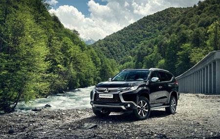 thumb2-mitsubishi-pajero-sport-2017-cars-offroad-suvs-mountain-river.jpg