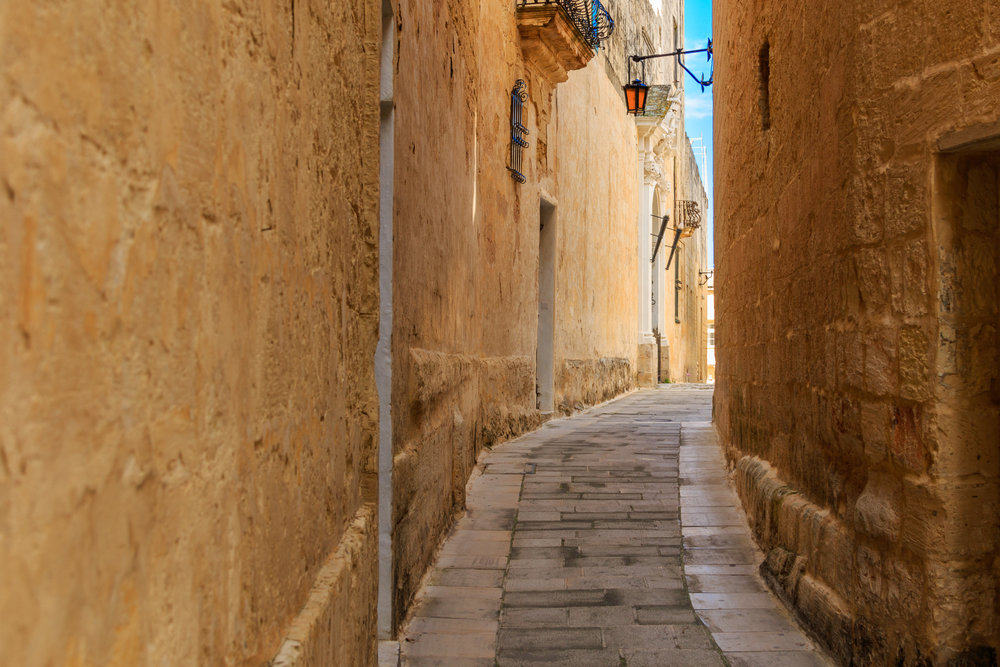 The narrow, winding streets of Mdina. Image by Richard Coombs.