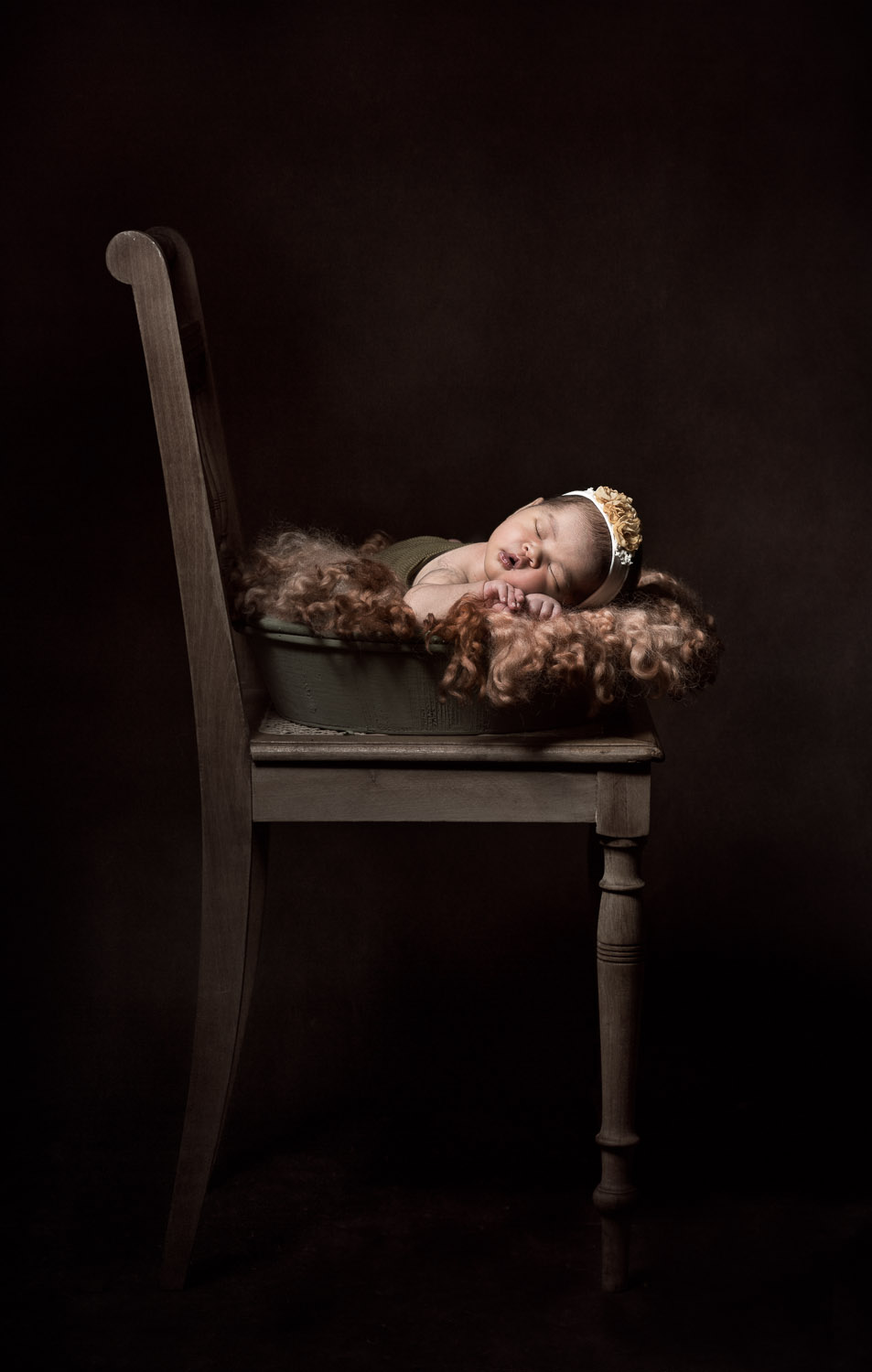 Baby-Newborn-Girl-Chair-Photography-Irene-Chen.jpg