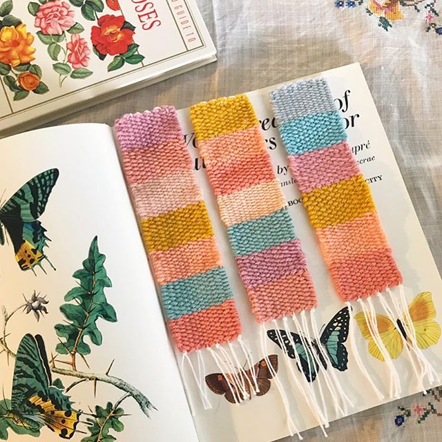 I made some woven bookmarks for my fellow book loving friends 📚🐛🦋 These were given as Christmas gifts but I also have a couple listed in my webstore 😇✨ . . . #weaving#weaveawhile#bookmark#weavingaustralia#wovenbookmark#heydaisydesign#reading#bookworm#butterfly