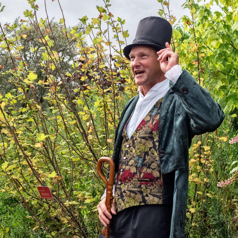 plant-hunters-weekend-at-lullingstone-castle_29186712392_o.jpg