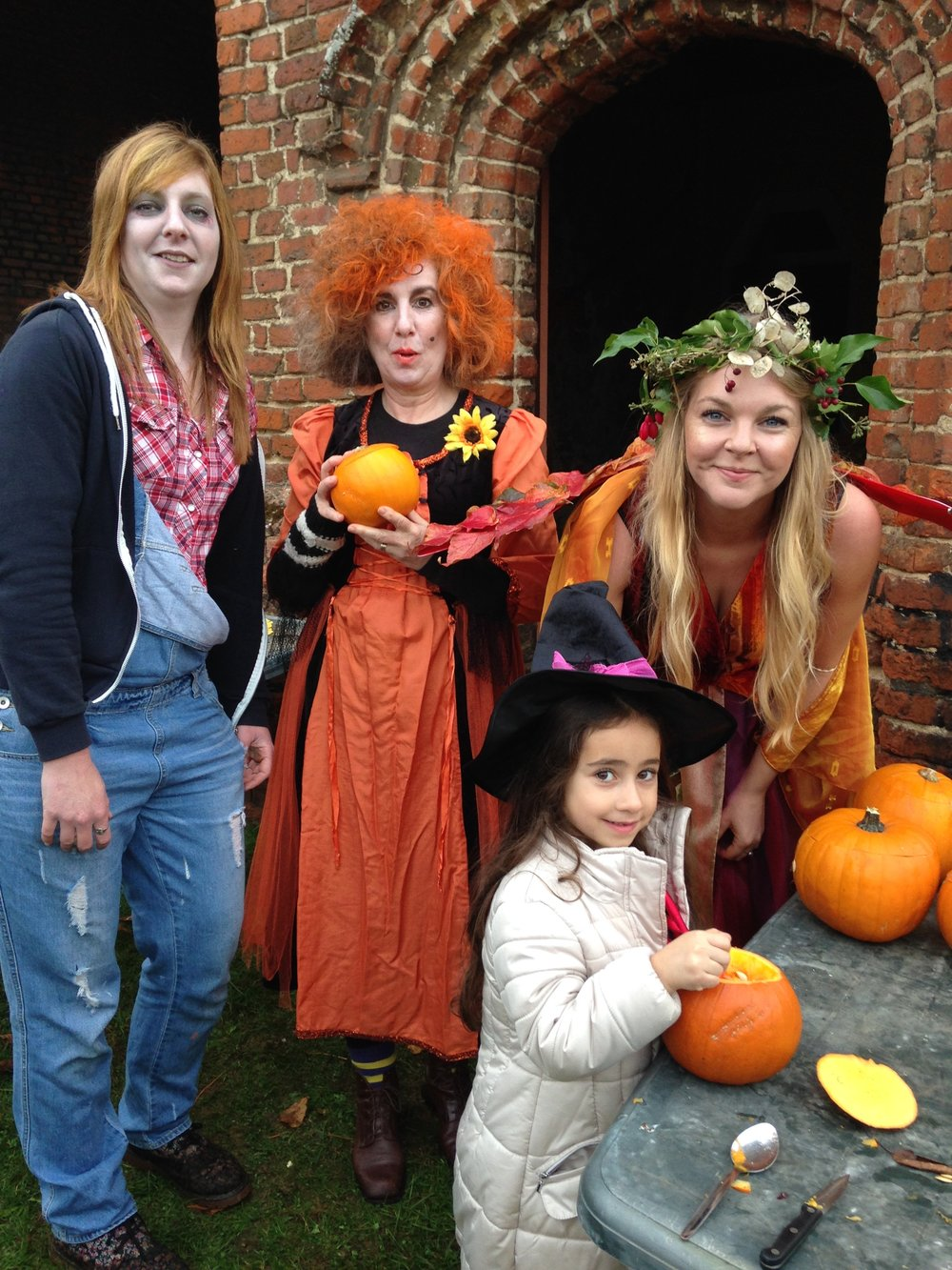 Halloween - Pumpkin Carving - Lullingstone Castle.JPG