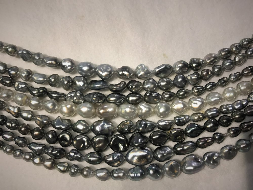 Stunning Tahitian keshi pearls, - these colours are entirely natural.