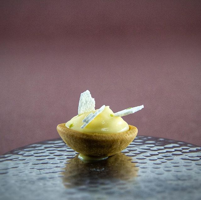 FUYU - Mignardise at @belafonte.paris dinner  THANKS to chef @cuisiniernao and @choai  THANKS to @datcha_paris for this object collaboration. with @alexandre_poisson_belafonte @catalina_laine  @mateo_garcia_escabo @margauxberger  #craft #handcraft #installation #night #paris #paris12 #ruedeciteaux #belafonte #food #atmosphere #designforfood #datchaparis
