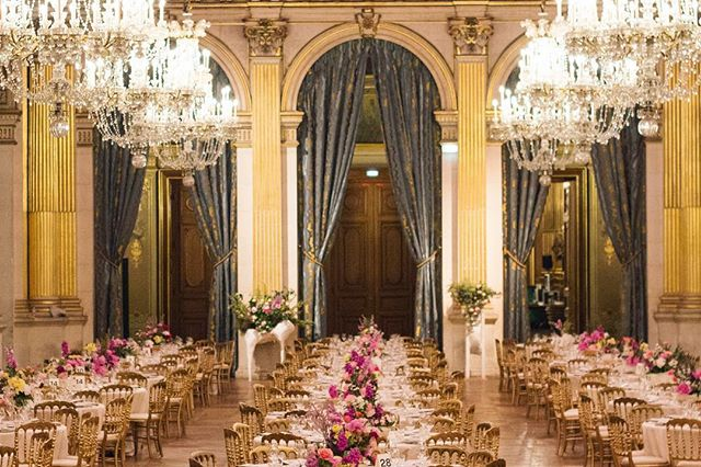 LES COLLINES DE L'HERMITAGE at Hôtel de Ville de Paris @belafonte.paris gala dinner for 350 guests from @parisgalleryweekend with @_garcia_mateo objects @catalina_laine flowers @alexandre_poisson_belafonte food #paris #art #gala #dinner #flower pict @ma.jmln