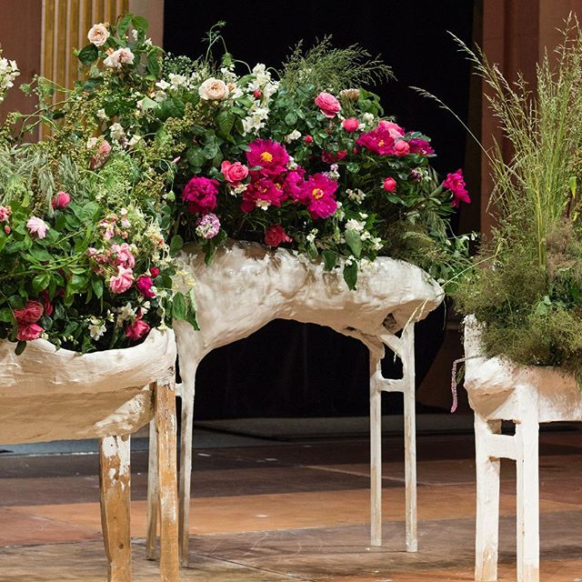 LES COLLINES DE L'HERMITAGE at Hôtel de Ville de Paris - 🦌🦌🦌🦌🦌TROUPEAU FLEURI 💐💐💐💐💐@belafonte.paris gala dinner for 350 guests from @parisgalleryweekend with @_garcia_mateo objects @catalina_laine flowers @alexandre_poisson_belafonte food #paris #art #gala #dinner #animals #flower pict @ma.jmln